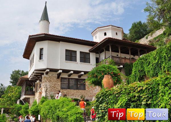 Дворец королевы Марии в Балчике (Болгария)